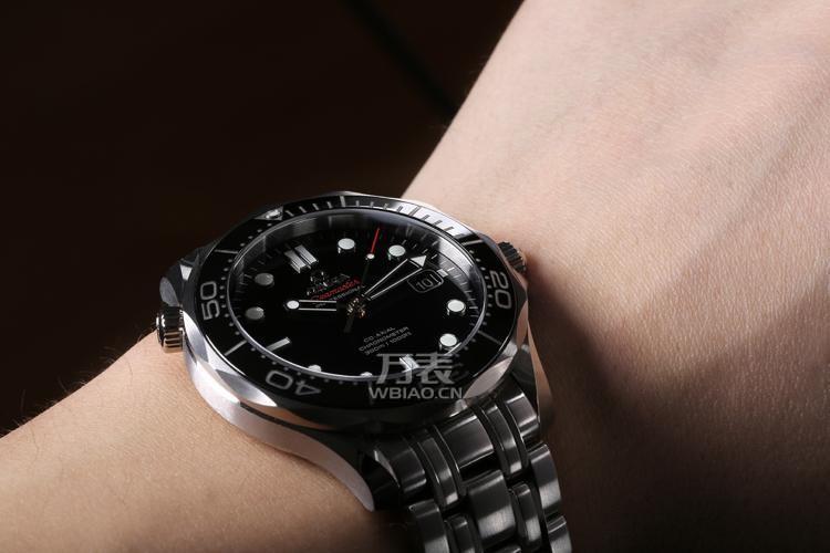 欧米茄手表换电池具有提示功能的手表,当提示出现后3周内就应将电池换图片