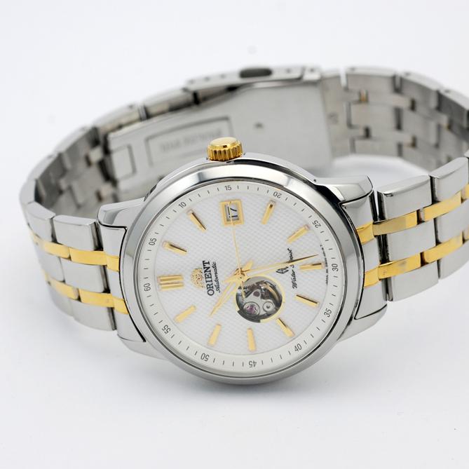 双狮手表是哪产的?东方双狮表渲写时计的永不过时