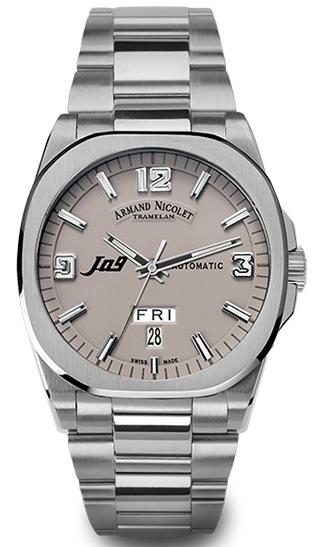 机械设计师适合什么手表?机械表衬托机械师成熟稳重魅力