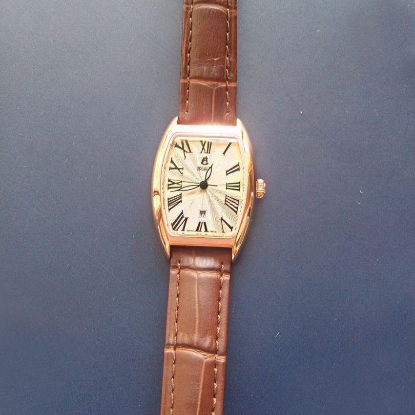 依波路LGR8688N1-25551BR手表「表友晒单作业」手表带了几...
