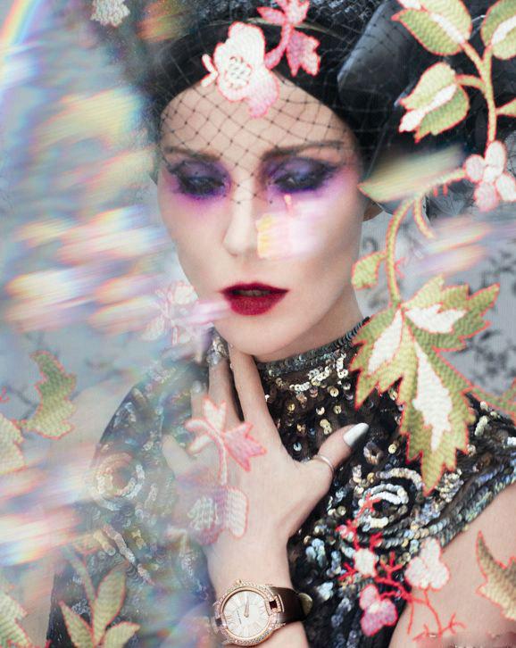 时尚名媛达芙妮·吉尼斯与瑞士制表品牌罗杰杜彼合作