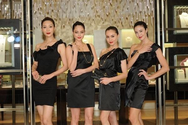 姚书轶(Mikki Yao)、Jocelyn Luko、刘碧丽(Mandy Lieu)和Marcela B
