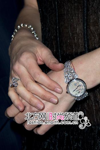 国际名模爱娃·赫兹高娃佩戴万宝龙珠宝腕表