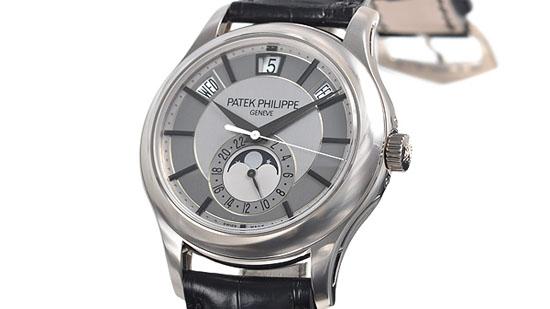 以人工精制的手表耗时极多,百达翡丽每年产量不足二万只。