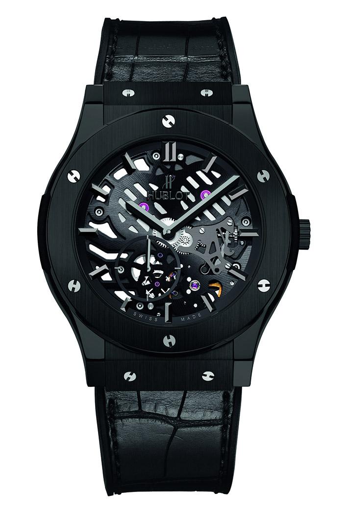 宇舶于SIHH发布经典融合超薄镂空黑色陶瓷腕表