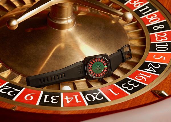 柏莱士推出全新限量微型赌场旋转轮盘腕表