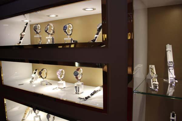万表网广州体验店——欧洲名表殿堂 Van Der Bauwede梵德宝专柜(图)