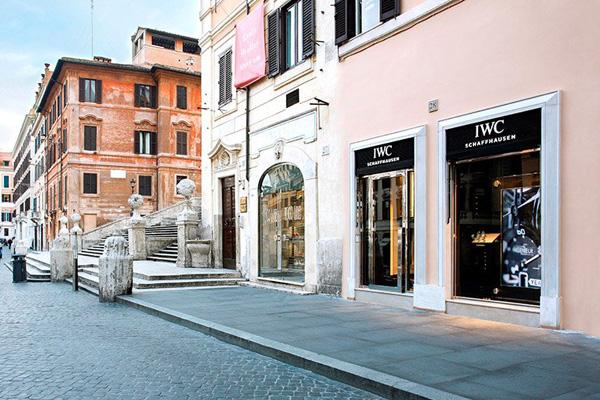 IWC万国表进驻意大利