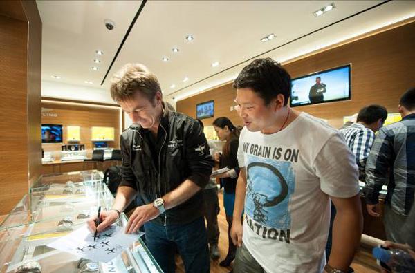 Breitling上海首家旗舰店盛大开幕