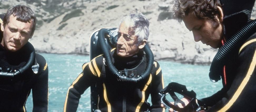 制作人雅克·库斯托在1971年前往加拉帕戈斯群岛拍摄《雅克·库斯托的海下世界》