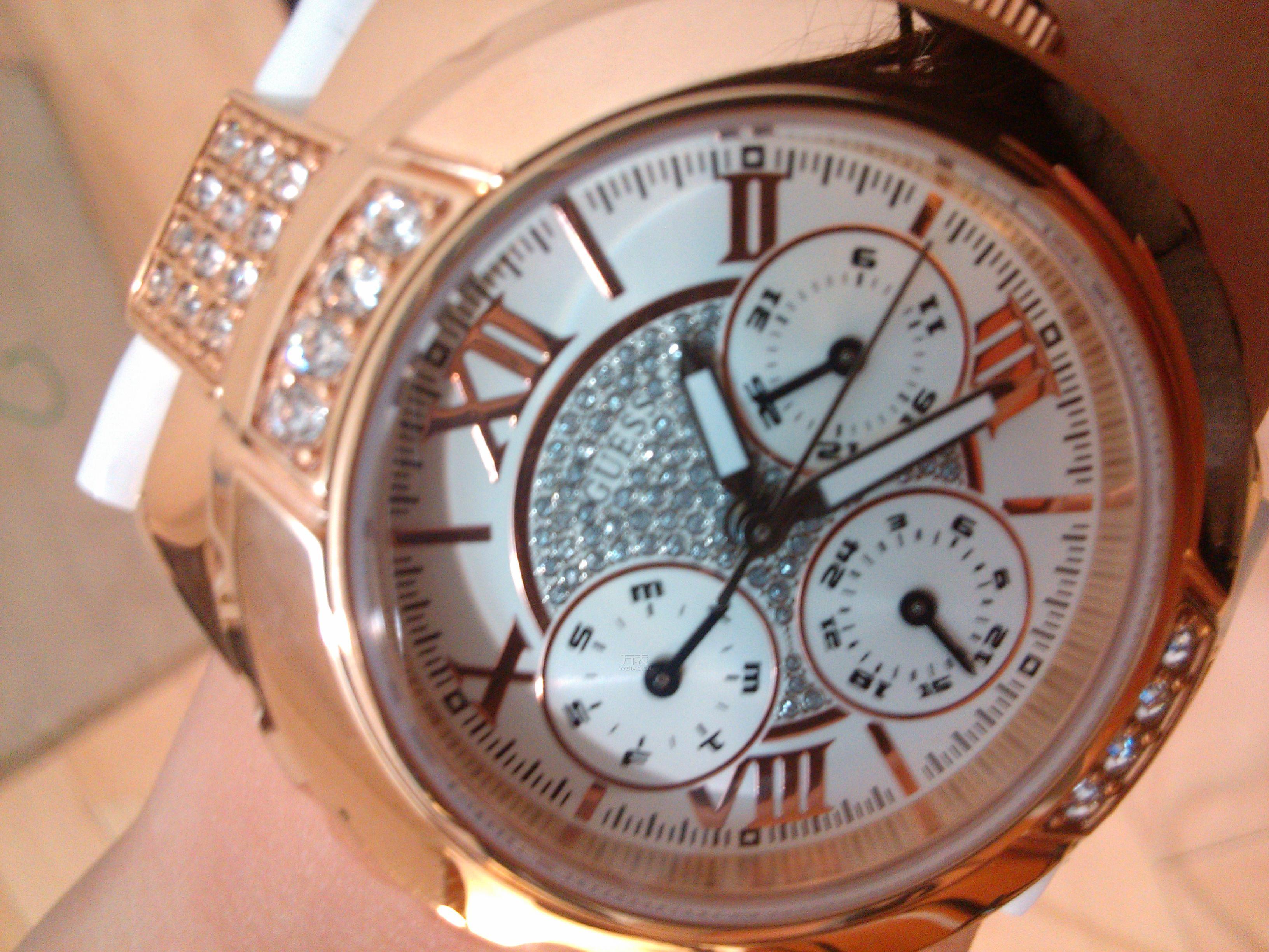 美美的手表表面,金色与钻石完美的组合