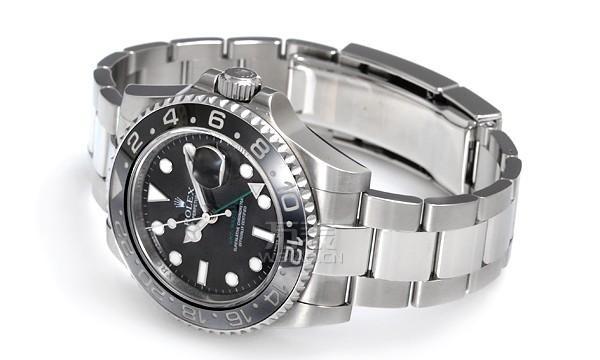 还是产品型号为116710LN的劳力士手表,看它两个字母LN代表的含义为黑色外圈