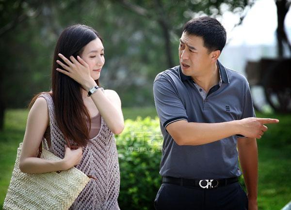 《一仆二主》顾菁菁/江疏影戴什么牌子的手表