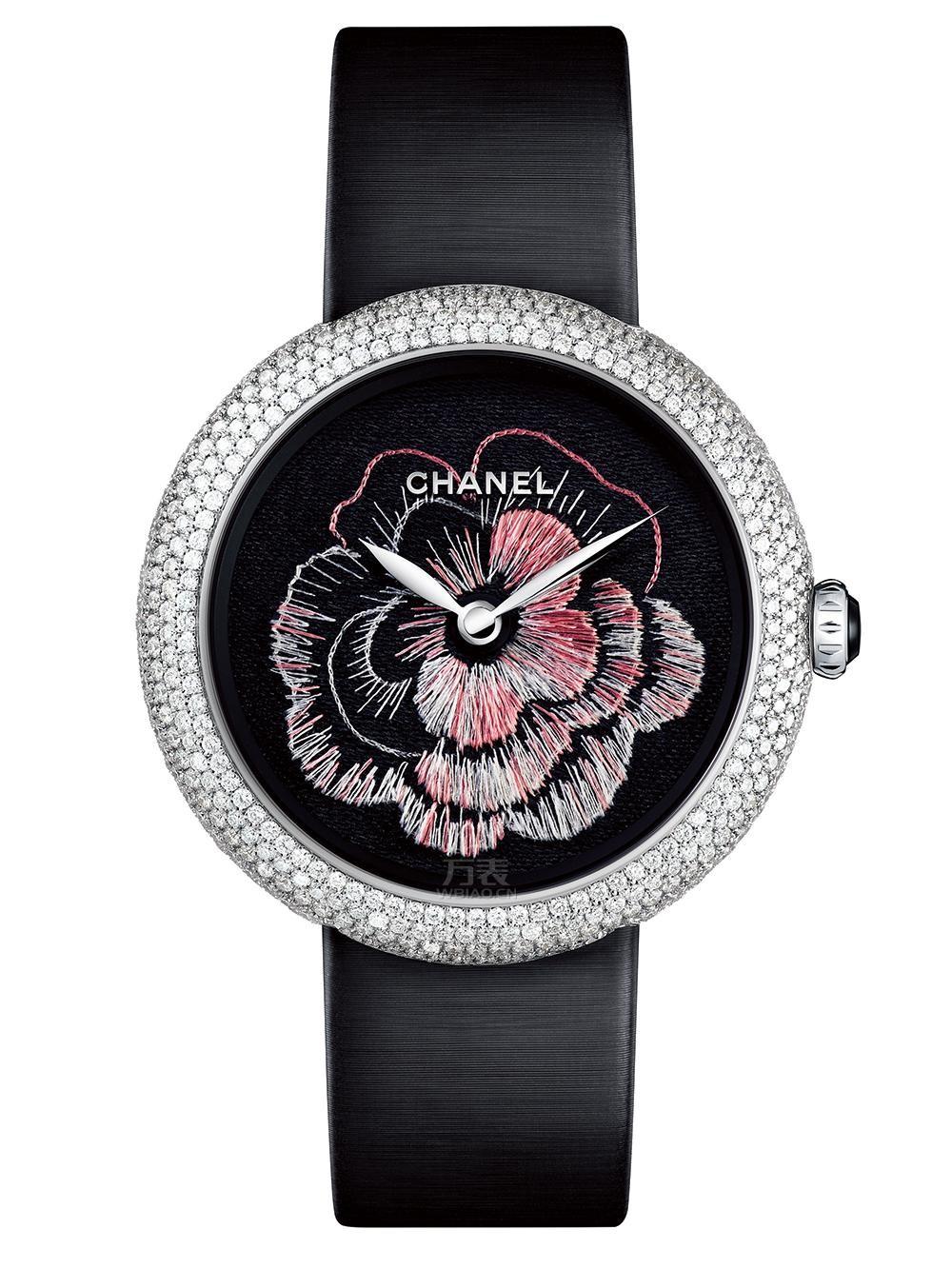 香奈儿Mademoiselle Privé系列Camélia Brodé针画刺绣山茶花腕表