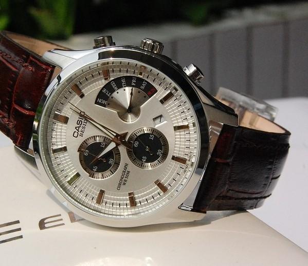 卡西欧皮表带腕表