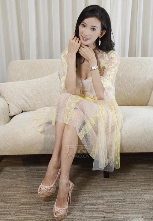 """林志玲代言浪琴手表""""双重优雅""""展露迷人风采"""