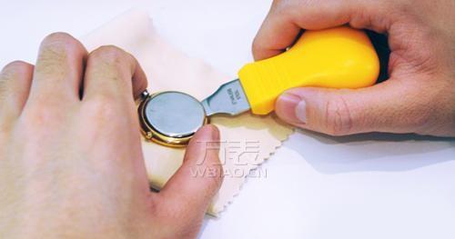 浪琴手表换电池要多少钱?自行更换浪琴表电池难吗?