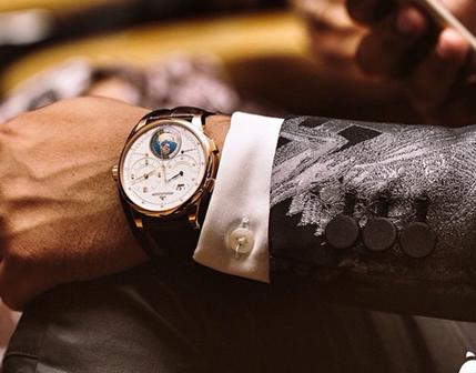 送男人手表什么意思?送男人手表之Duomètre Unique Travel Time双翼系列腕表