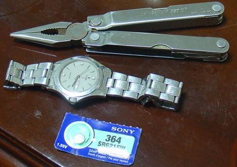 swatch手表没电不用担心 教你一步一步更换swatch手表电池