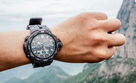 卡西欧手表防水吗?扒一扒卡西欧手表防水性能