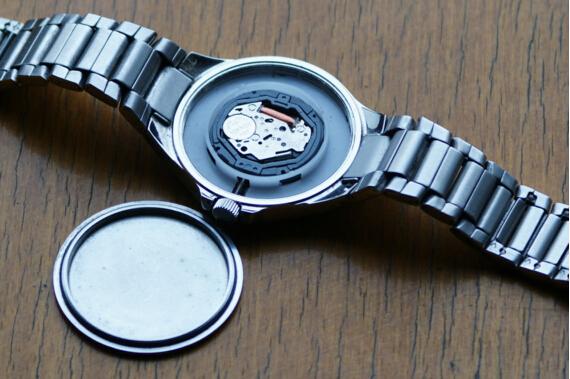 轻松教学:自己换手表电池,做到万无一失