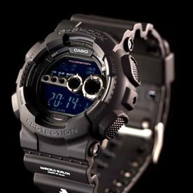 卡西欧G-SHOCK电子手表:潮酷色彩释放自我个性