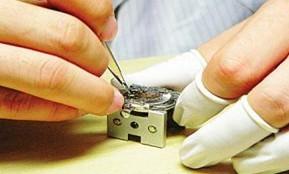 手表换电池七步详解 教你如何正确更换手表电池