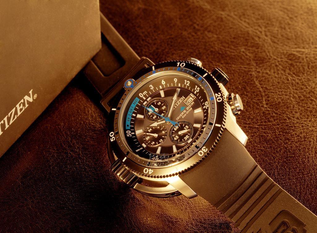 西铁城手表停了是怎么回事?怎么看待手表偷停问题?