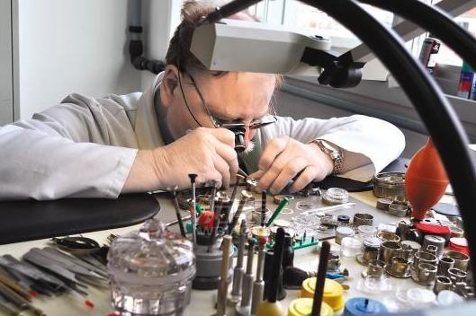天梭机械表保养费用是多少?日常佩戴天梭机械表应避免什么?