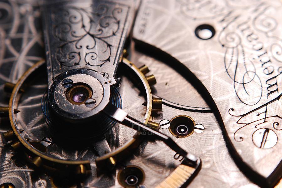 1882年欧米茄球形怀表展示,了解怀表的历史更替