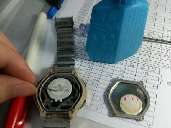 天梭电子表怎么换电池?学会自己动手,简单快捷