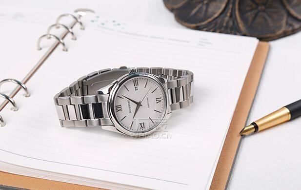 罗西尼手表换电池多少钱?罗西尼石英手表的电池能用多久?