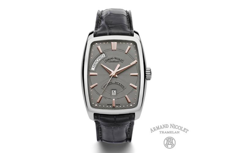新买的手表为什么不走?新买的石英表或机械表不走怎么办?