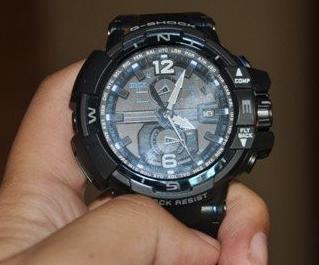 卡西欧手表有雾的原因是什么?应该如何去解决?