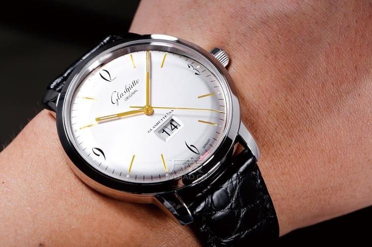 80000元买Apple Watch?看完这篇或许你更偏爱机械表
