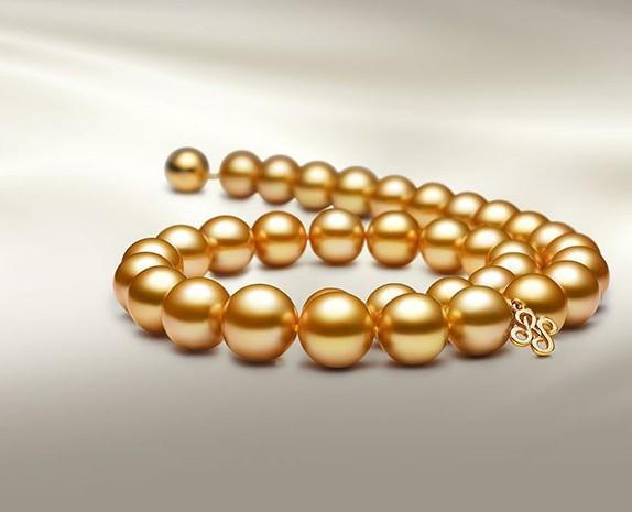 不同珍珠混搭更优雅 看似无华却有低调的高贵