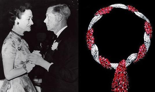 """梵克雅宝是温莎公爵钦点的珠宝商之一,其中1939年由梵克雅宝设计的钻石和红宝石的项链被温莎公爵起名为""""MyWallis"""",是温莎公爵夫人最喜爱的珠宝之一。"""