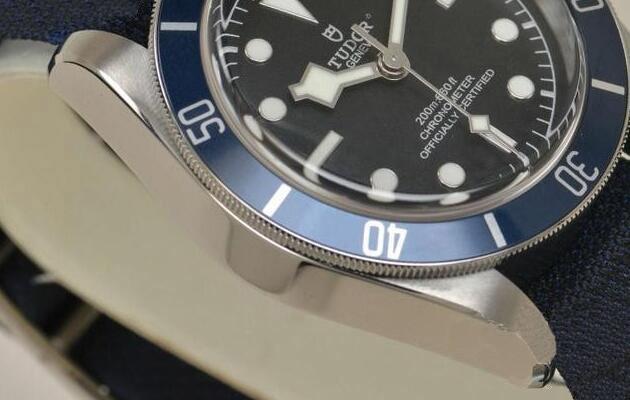 蓝色经典 赏析帝舵碧湾腕表