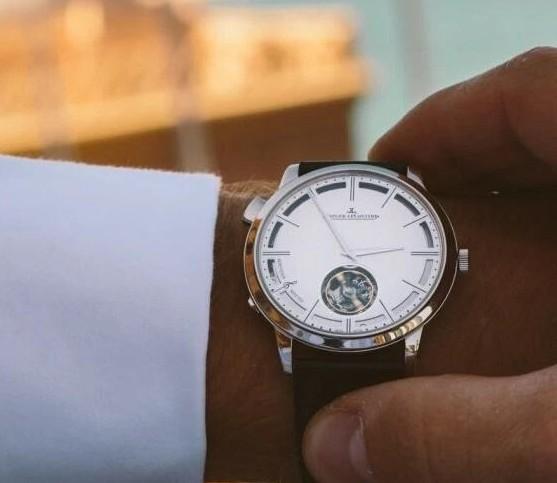 男士适合戴多大尺寸的手表?