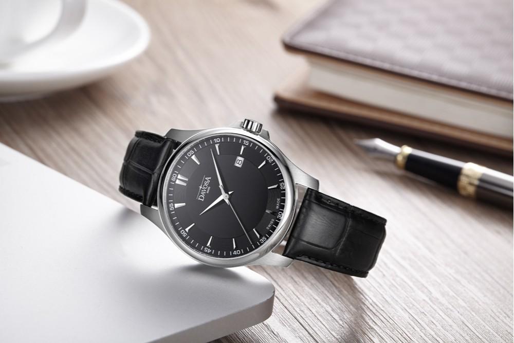 怎样辨别瑞士手表皮带表的真伪?皮带表如何保养?