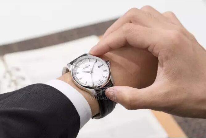 男手腕腕围15厘米戴40表盘42表盘手表合适吗?
