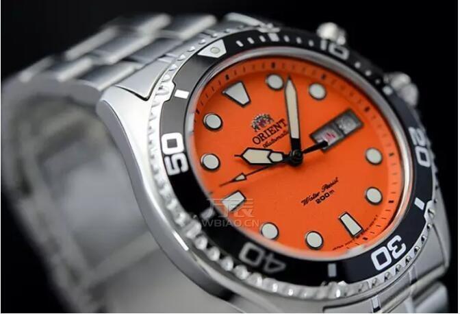 什么颜色的表好看?最引人注目的手表价格图片推荐分享