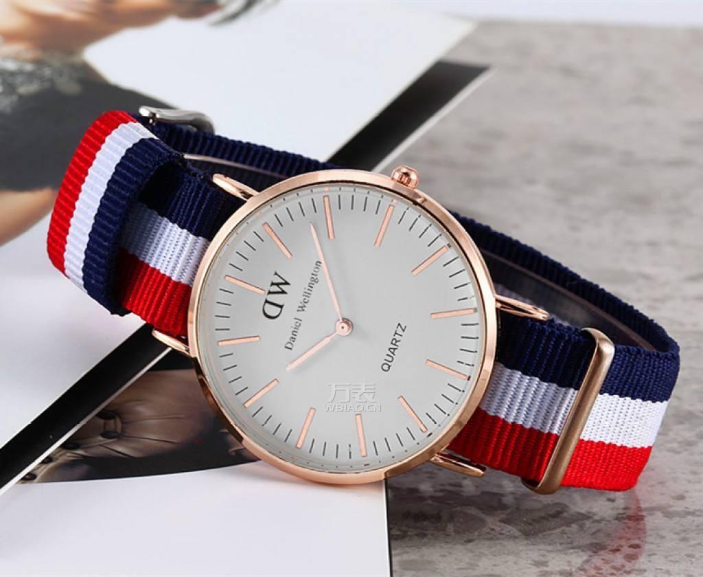 DW手表怎么换表带?DW手表换表带的方法是什么