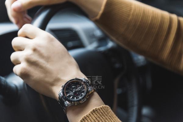 万国手表多久换一次电池?万国手表电池能戴多久