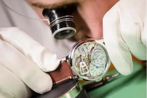 手表洗油需要多长时间一次,手表洗油多少钱