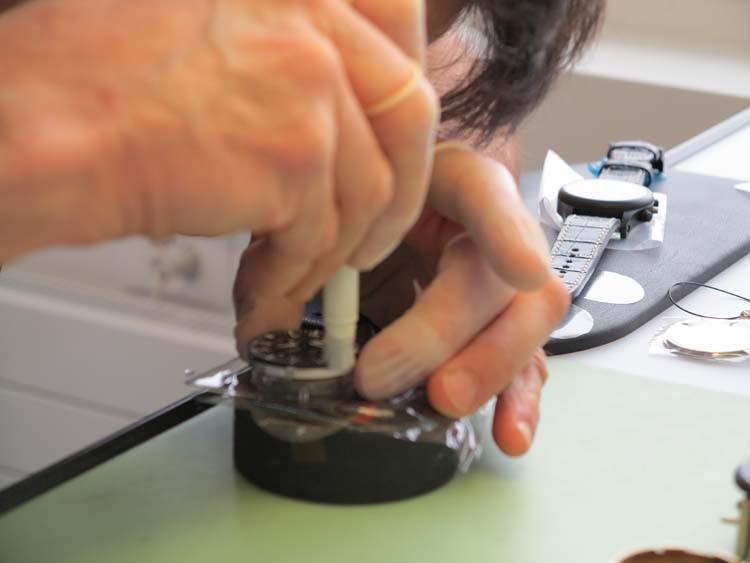 探秘EPOS爱宝时手表工厂 领略瑞士制表工艺