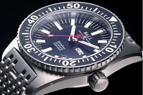 波尔潜水员系列DM2108A-S-BK(黑色表盘/不锈钢表链)手表
