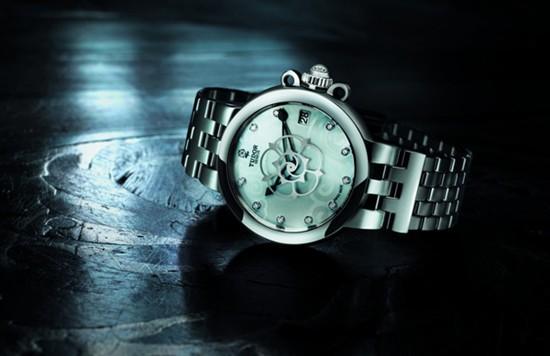 帝舵表推出全新Clair de Rose女装腕表
