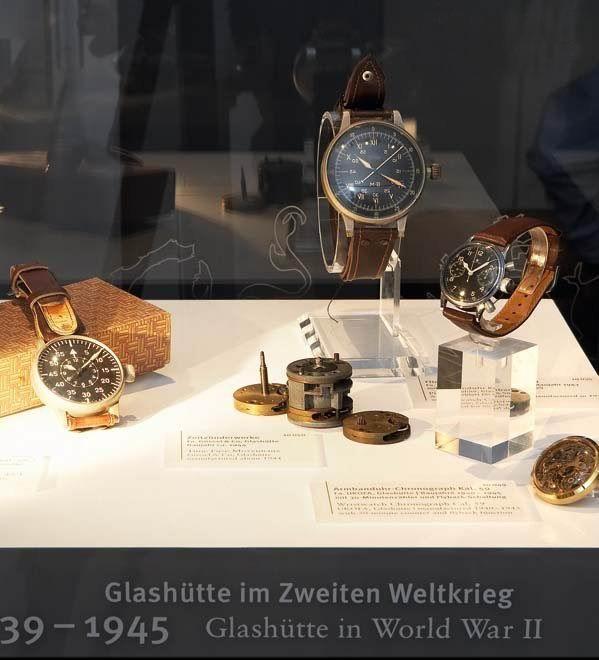 二战时期德军订制的飞行员腕表展示