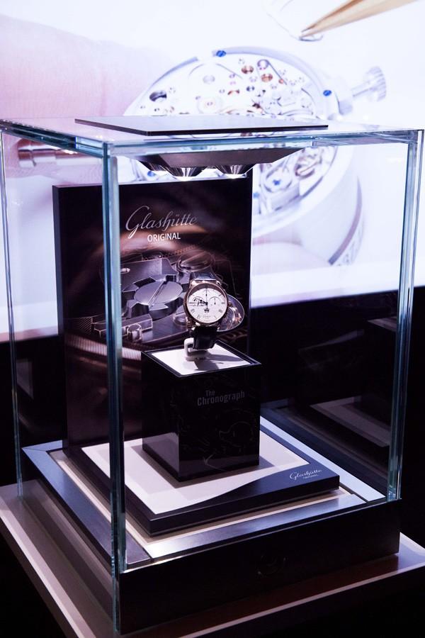 格拉苏蒂原创于斯图加特完美呈现全新计时码表